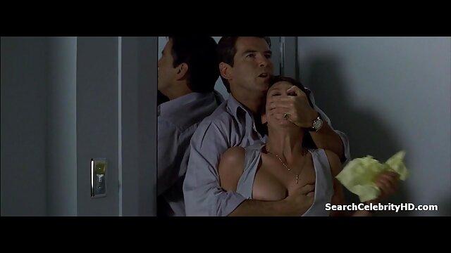 Molato megpróbálja megkötözni a piros lyukat, igyen porno filmek hogy menjen